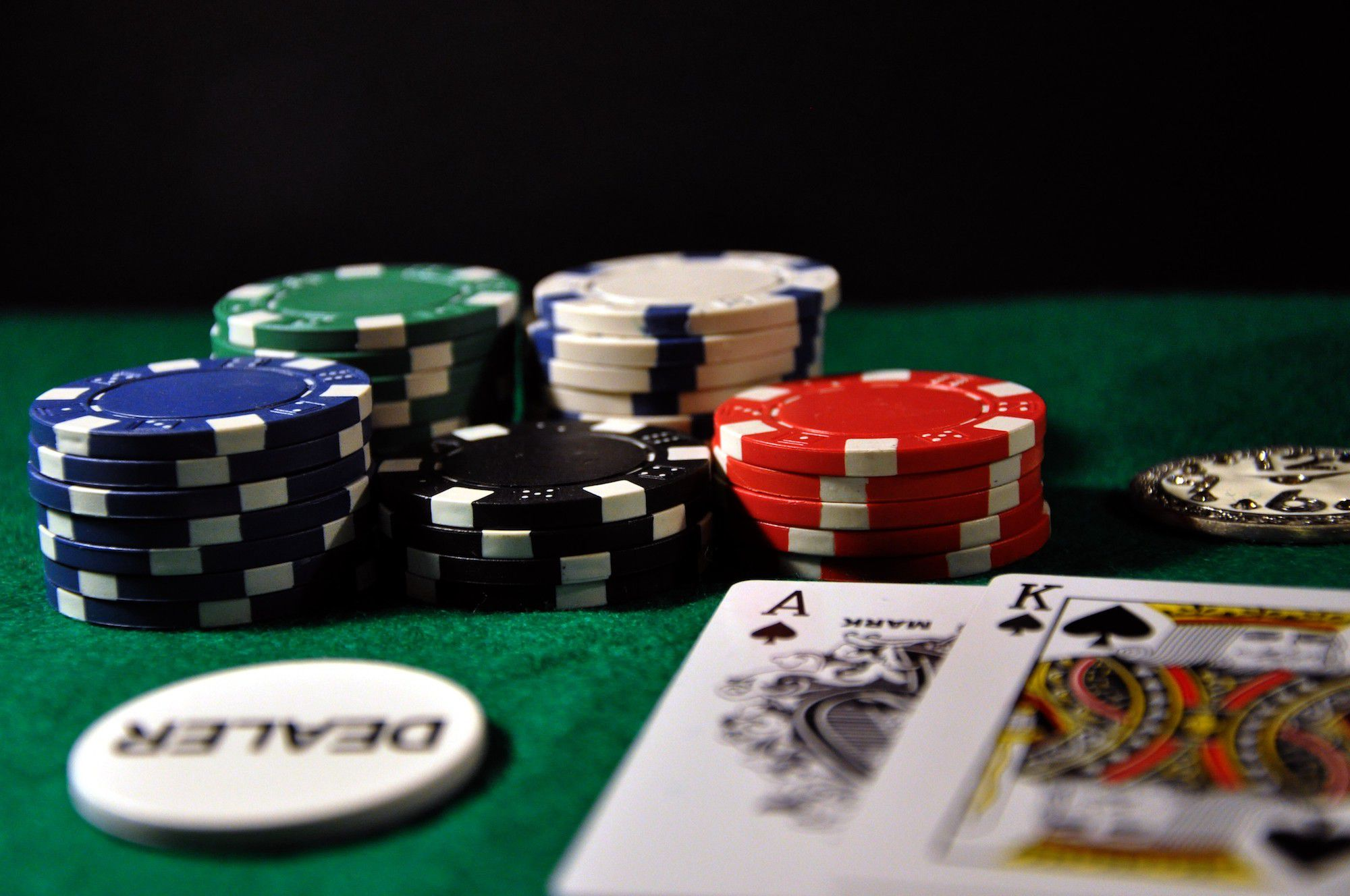 COVID-19 Outbreak: Here Are The 4 Tips For Improving Poker Game Online!