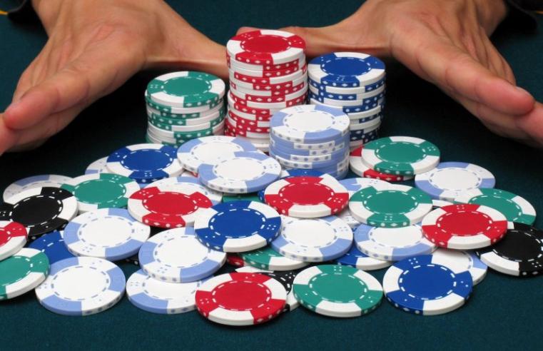 Tight Aggressive Poker Vs Lose Aggressive Poker